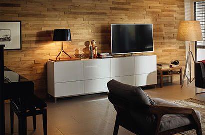 Holz an der Wand